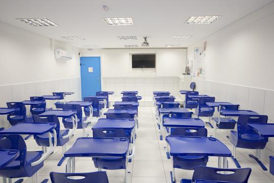 Salas de aula modernas e padronizadas
